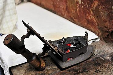 Flat iron with charcoal, Varanasi, Benares, Uttar Pradesh, India, South Asia