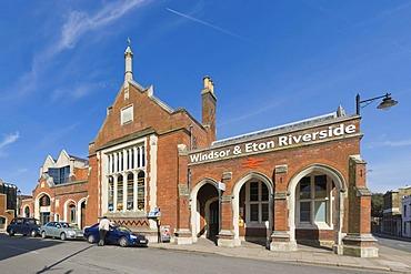 Windsor & Eton Riverside Railway Station, Windsor, Berkshire, England, United Kingdom, Europe