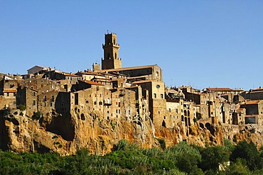 The town on its limestone plateau with tower of the cathedral Santi Pietro e Paolo, Pitigliano, Maremma, Tuscany, Italy, Europe