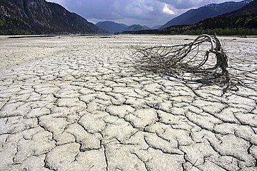 Dry Isar riverbed, Sylvenstein, Upper Bavaria, Germany, Europe