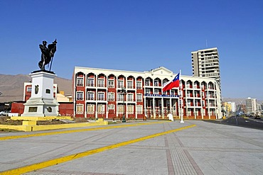 Monument to national war hero Captain Arturo Prat Chacon, English school, Chilean Flag, square, Iquique, Norte Grande region, Northern Chile, Chile, South America