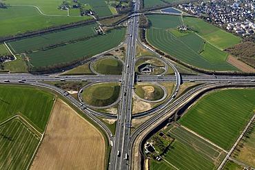 A1, Kamener Kreuz motorway junction, tangent, Bergkamen, Ruhrgebiet region, North Rhine-Westphalia, Germany, Europe