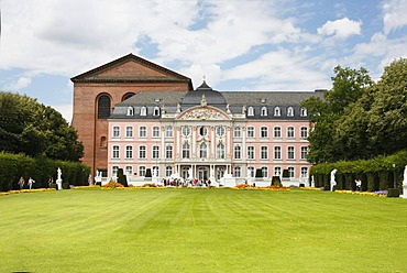 View across the palace garden of the 'Kurfuerstliches Palais' Palace in Trier, Rhineland-Palatinate, Germany, Europe