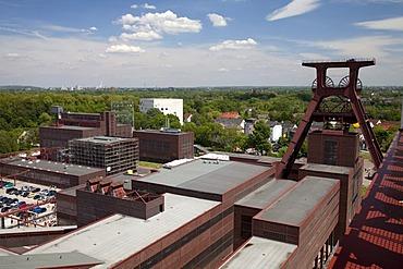 Headframe of pit XII, Zeche Zollverein, former colliery, UNESCO World Heritage Site, Essen, Ruhr area, North Rhine-Westfalia, Germany, Europe