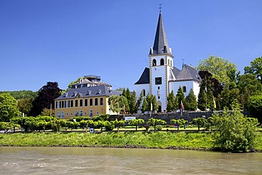 Rhine promenade, parish church of St. Pantaleon, Unkel, Rhineland, Rhineland-Palatinate, Germany, Europe