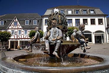 Fountain on the market square, Linz am Rhein, Rhineland, Rhineland-Palatinate, Germany, Europe