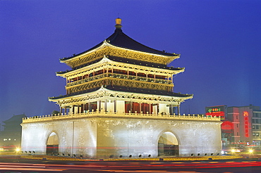 Night view of the Bell Tower dating from the Qing Dynasty, city centre of Xian, Shaanxi Province, China, Asia
