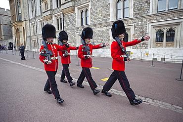 Guards in Windsor Castle, Windsor, Berkshire, England, United Kingdom, Europe