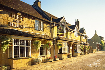Horse and Hound Hotel, Broadway, Worcestershire, Cotswolds, England, United Kingdom, Europe