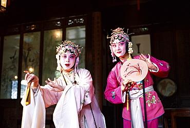 Actors performing in Chinese Opera (Beijing Opera), Beijing, China, Asia