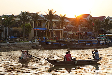 Tourists in boat on Thu Bon River at sunset, Hoi An, UNESCO World Heritage Site, Vietnam, Indochina, Southeast Asia, Asia