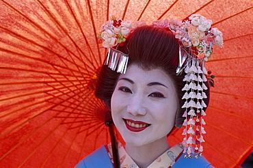 Apprentice Geisha (Maiko), in traditional costume, Kyoto, Honshu, Japan, Asia - 834-2667