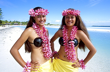 Polynesian girls dressed in traditional costume with leis (flower garlands), Aitutaki, Cook Islands, Polynesia, South Pacific, Pacific