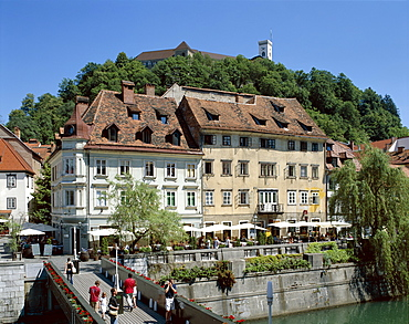Outdoor cafes and Ljubljanica River, Ljubljana, Slovenia, Europe