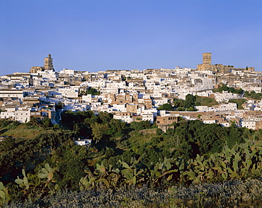 Arcos de la Frontera, one of the White Villages (Pueblos Blancos), Andalusia, Spain, Europe