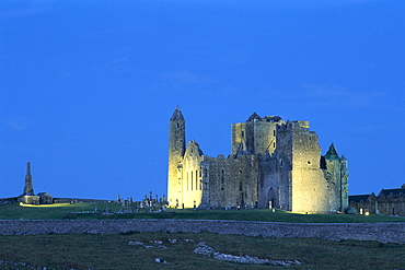 Rock of Cashel at night, County Tipperary, Munster, Republic of Ireland, Europe