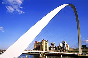 Gateshead Millennium Bridge, Gateshead, Newcastle, Tyne and Wear, England, United Kingdom, Europe