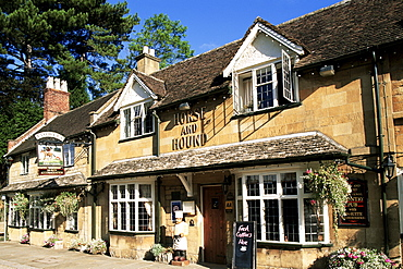 Horse and Hound, Broadway, Worcestershire, Cotswolds, England, United Kingdom, Europe