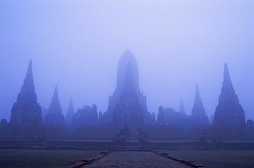 Moody morning view of Wat Chai Wattanaram, Ayutthaya Historical Park, Ayutthaya, Thailand, Southeast Asia, Asia