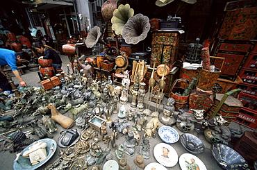 Antique store, Dongtai Road Antique Market, Shanghai, China, Asia