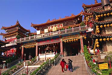 Chi-ming-tang Temple, Lotus Lake, Kaohsiung, Taiwan, Asia