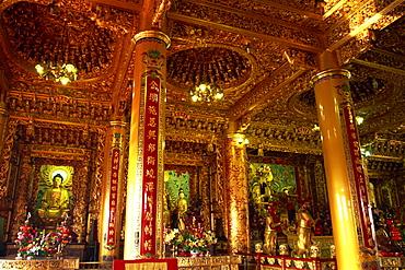 Interior of Chi-ming-tang Temple, Lotus Lake, Kaohsiung, Taiwan, Asia