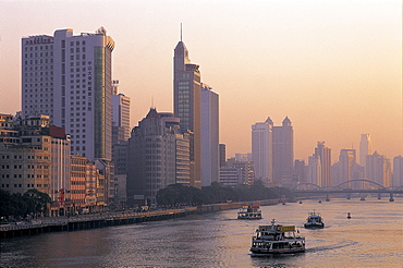 City skyline and Pearl River, Guangzhou, Guangdong Province, China, Asia