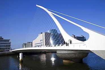 The Samuel Beckett Bridge, Designer and Architect Santiago Calatrava, Dublin, Republic of Ireland, Europe