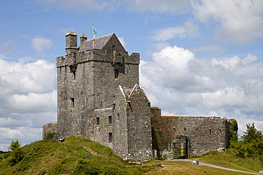 Republic of Ireland, County Galway, Kinvara Castle, County Galway, Connacht, Republic of Ireland, Europe