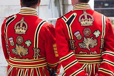 Beefeaters in State Dress, Tower of London, England, United Kingdom, Europe