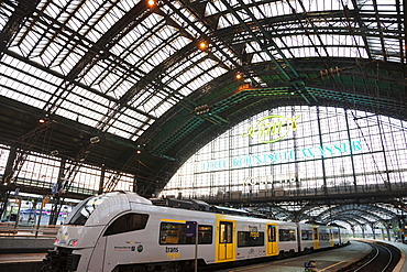 Koln Railway Station, Cologne, Nordrhein Westfalen, Germany, Europe