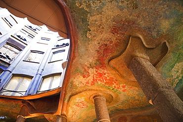 Interior ceiling detail, Casa Mila (La Pedrera), UNESCO World Heritage Site, Barcelona, Catalonia, Spain, Europe