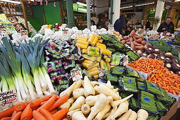 Vegetable stall, Borough Market, Southwark, London, England, United Kingdom, Europe