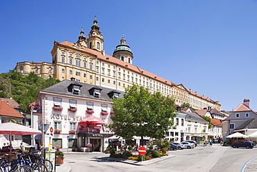 Town centre and the Benedictine Abbey, Melk, Wachau Cultural Landscape, UNESCO World Heritage Site, Austria, Europe