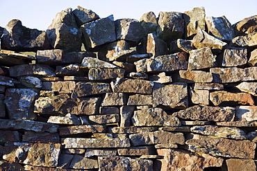 Stone wall, Swaledale, Yorkshire Dales, Yorkshire, England, United Kingdom, Europe