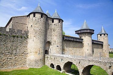 The Chateau Comtal inside La Cite, Carcassonne, UNESCO World Heritage Site, Languedoc-Roussillon, France, Europe
