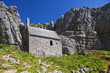 St. Govan's Chapel, St. Govan's, Pembrokeshire, Wales, United Kingdom, Europe