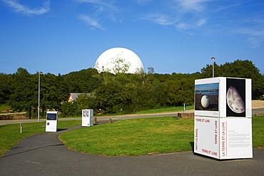 Parc of Radome, Planetarium of Brittany, Cite des Telecoms, Pleumeur Bodou, Cotes d'Armor, Brittany, France, Europe