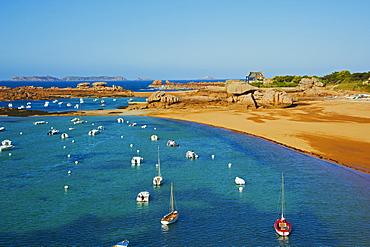 Beach of Tregastel, Cote de Granit Rose, Cotes d'Armor, Brittany, France, Europe