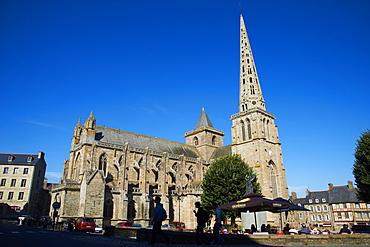 Cathedrale de St. Tugdual, Breton Cathedral, Treguier, Cote de Granit Rose, Cotes d'Armor, Brittany, France, Europe