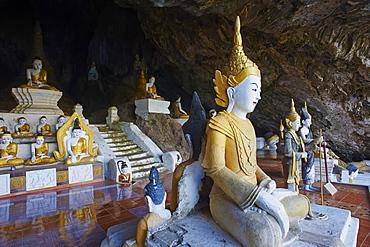 Buddha statues in Buddhist cave near Hpa-An, Karen State, Myanmar (Burma), Asia