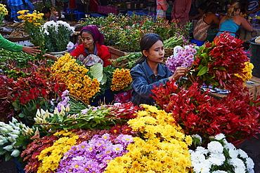 Flower market, Hpa-an, Karen State, Myanmar (Burma), Asia