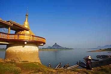 Shweyinhmyaw pagoda and temple, Hpa-An, Karen State, Myanmar (Burma), Asia
