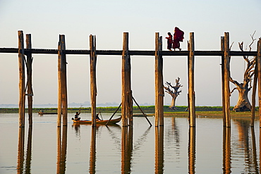 U Bein bridge at Amarapura, Taung Thama Lake, Mandalay Province, Myanmar (Burma), Asia
