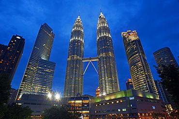 Petronas Towers, KLCC (Kuala Lumpur City Center), Kuala Lumpur, Malaysia, Southeast Asia, Asia