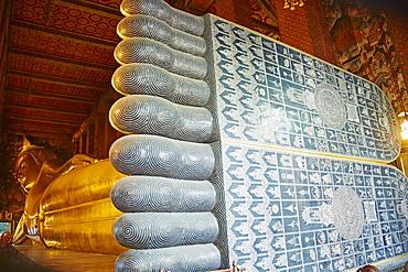 Reclining Buddha, Wat Pho (Wat Phra Chetuphon), Bangkok, Thailand, Southeast Asia, Asia