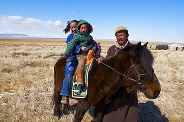 Nomadic Mongolian people in winter, Province of Khovd, Mongolia, Central Asia, Asia