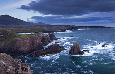 The dramatic coastline at Mangersta, Isle of Lewis, Outer Hebrides, Scotland, United Kingdom, Europe