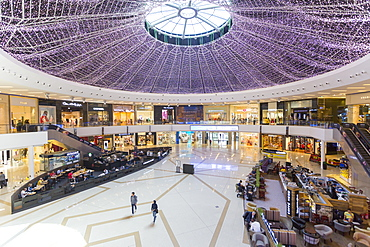 View of interior of the Marina Mall, Dubai, United Arab Emirates, Middle East