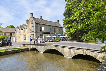 Old bridge over River Windrush, Bourton on the water, Cotswolds, Gloucestershire, England, United Kingdom, Europe